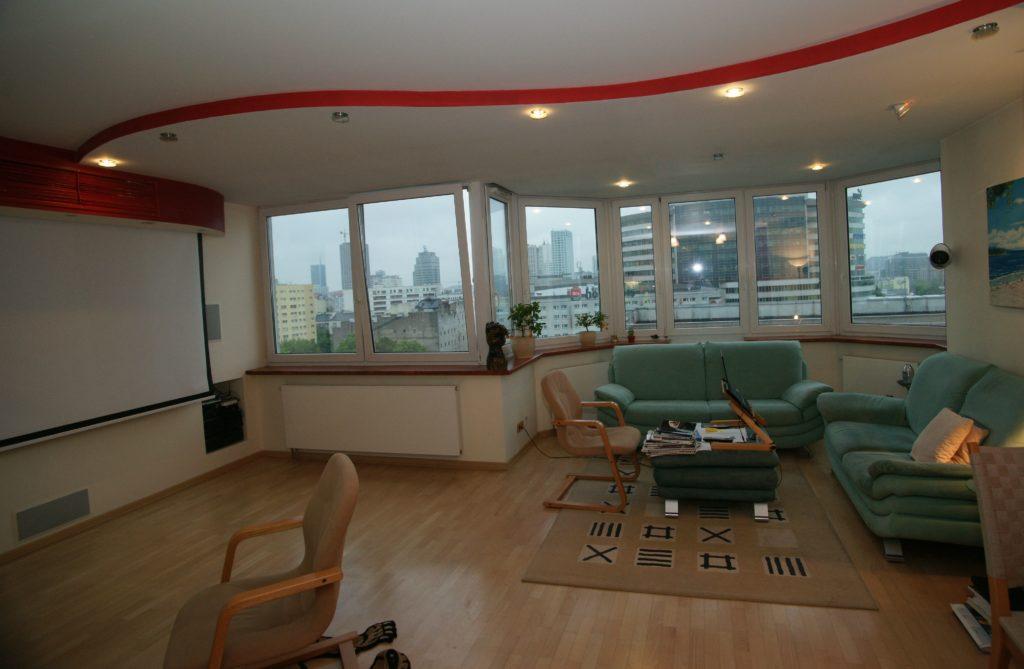 Zobacz Słoneczny apartament z systemem KNX - Inteligentny Dom Mieszkanie 80m2 Kino domowe 1024x669