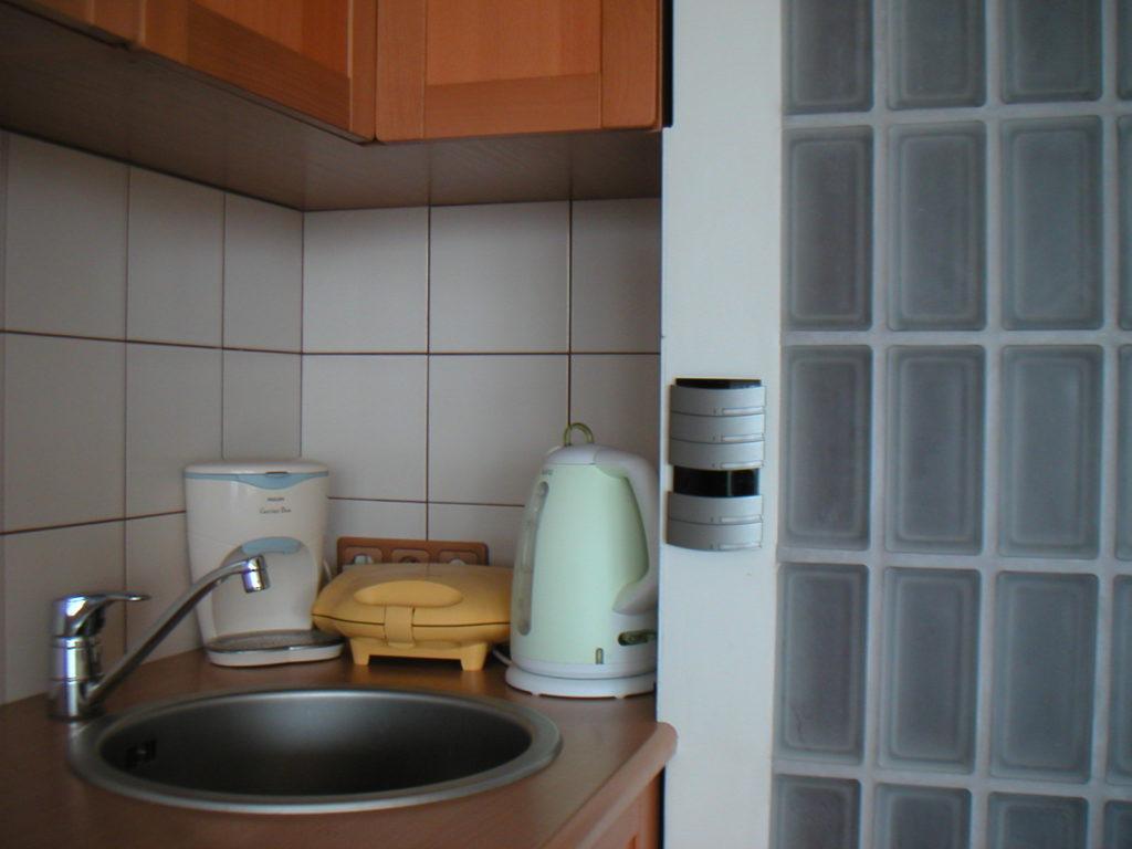 Zobacz Słoneczny apartament z systemem KNX - Inteligentny Dom Mieszkanie 80m2 Przycisk KNX przy zlewie 1024x768