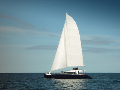 Katamaran pełnomorski – Inteligentny dom na morzu