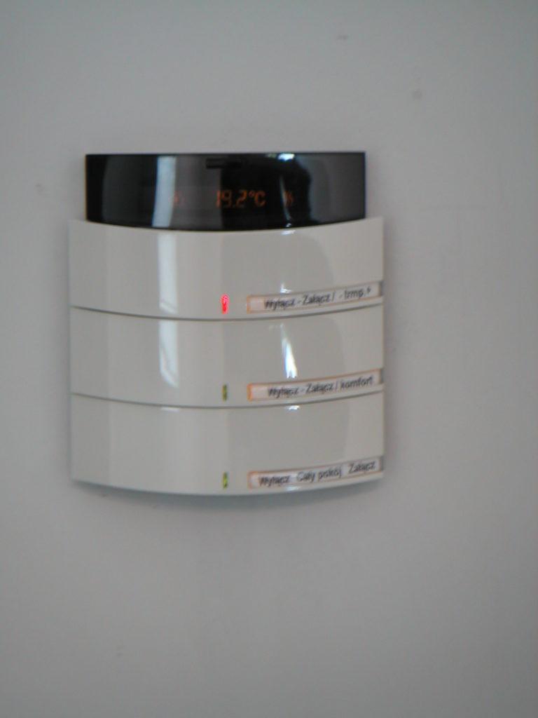Zobacz Inteligentny biurowiec firmy STOEN - SMARTech Inteligentny Budynek STOEN 1 768x1024